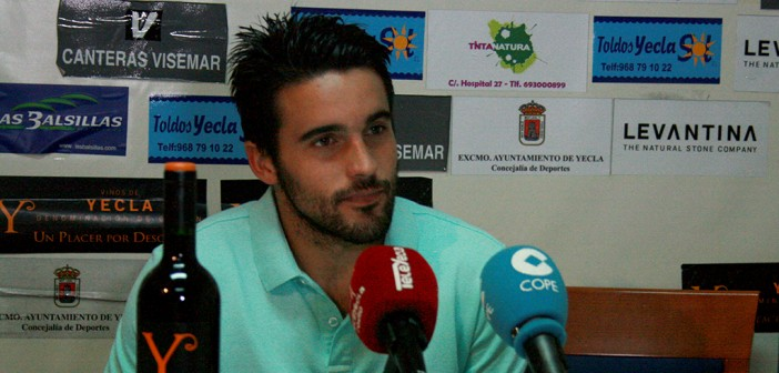 Sánchez asegura que les falta suerte / Foto: Á. Ayala.