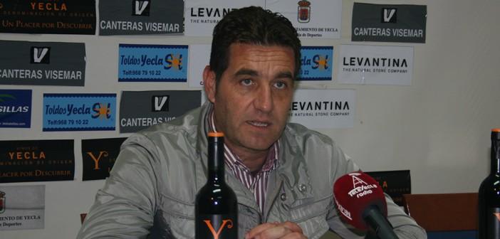 Pepe Soler Técnico del CD Cieza - YeclaSport