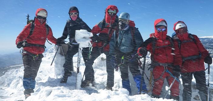 Los socios del Club coronan el pico Almirez (Sierra Nevada) / CMY