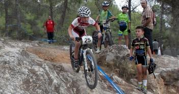 YeclaSport escuelas ciclismo violeta hernandez