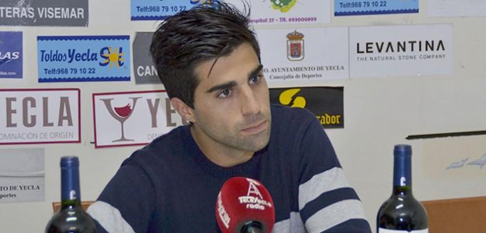 El futbolista azulgrana compareció tras el empate / Inma Azorín