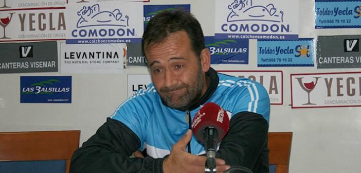 El técnico de los almerienses, contrariado en sala de prensa / Á. Ayala
