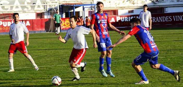 Instante del empate entre el Yeclano y Nueva Vanguardia / I. Azorín