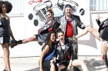 Animadoras posando en el motoalmuerzo de Los Extranjeros de Yecla
